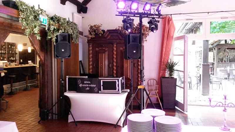 DJ Sven Wiese im Winkmannshof 001